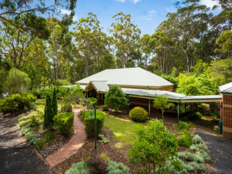 33 Strathmore Crescent, Kalaru, NSW 2550