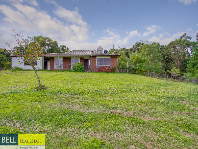 172 Emerald Beaconsfield Road, Dewhurst, Vic 3808