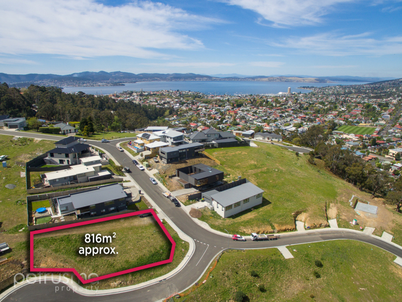 9 Stevens Farm Drive, West Hobart, Tas 7000