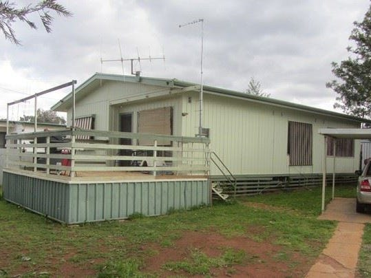 21 Woodiwiss Avenue, Cobar, NSW 2835