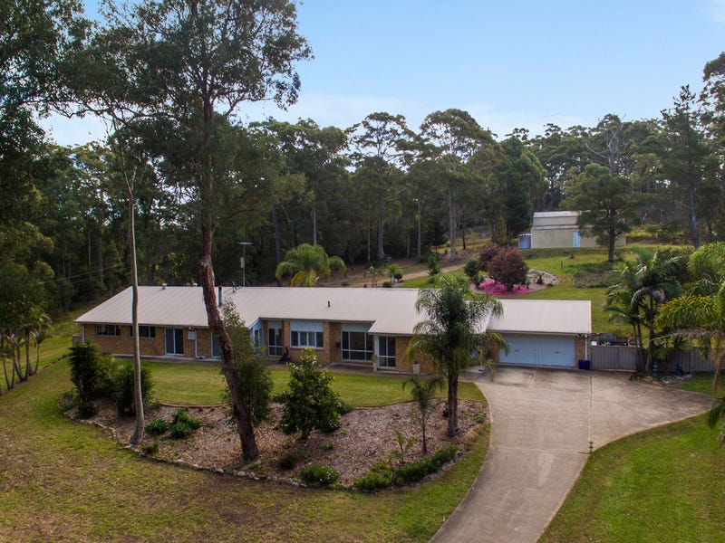 24 The Outlook Road, Surfside, NSW 2536