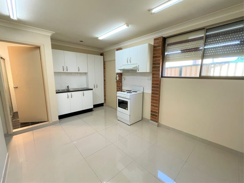 33B Stevenson Street, Wetherill Park, NSW 2164