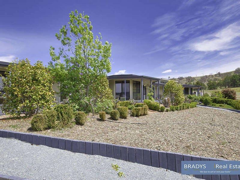 5 Trail Place, Royalla, NSW 2620