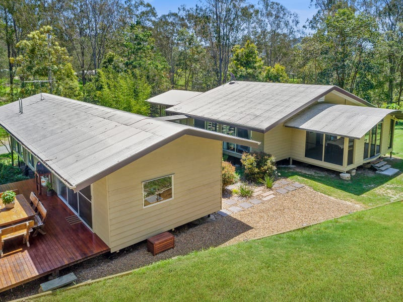 9 Roxburgh Road, Wights Mountain, Qld 4520