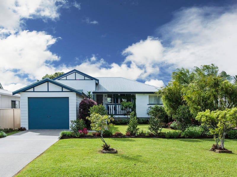 3 SOMERSET PLACE, Yamba, NSW 2464