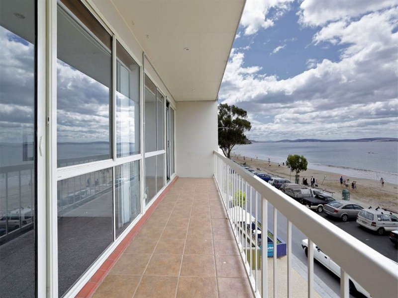 8/1 Beach Road, Kingston Beach, Tas 7050