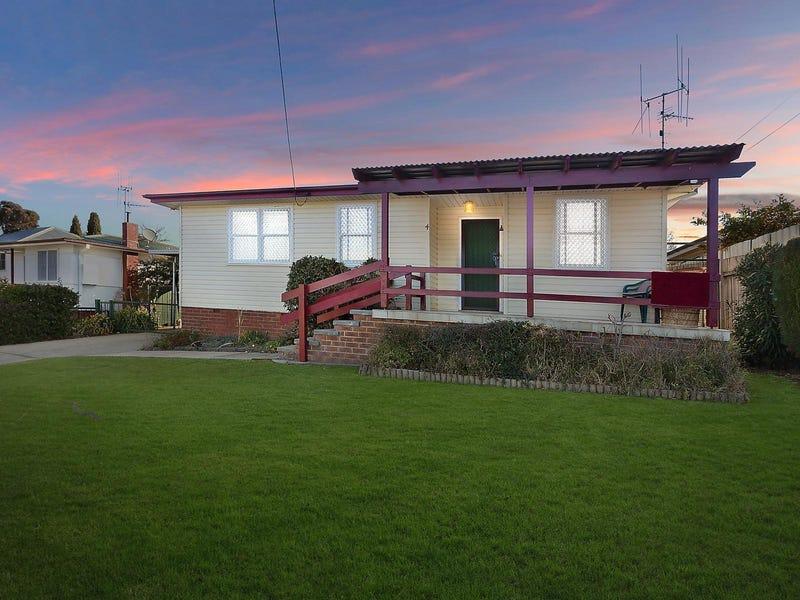 4 Downey Street, Karabar, NSW 2620