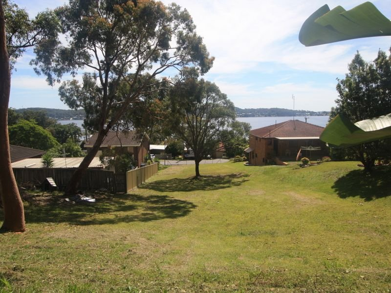 76 Fishing Point Road, Fishing Point, NSW 2283