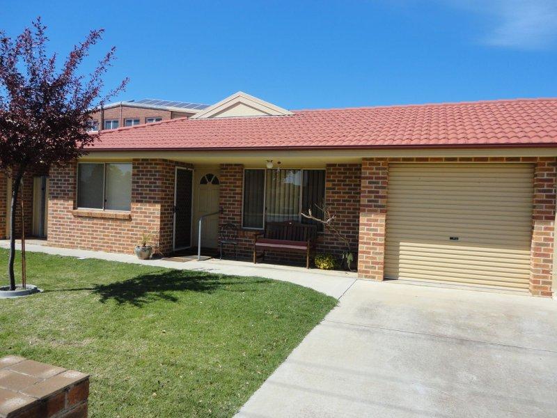 Unit 3, 90 Parkes Street, Temora, NSW 2666