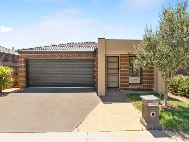 10/36 Somerton Court, Darley, Vic 3340