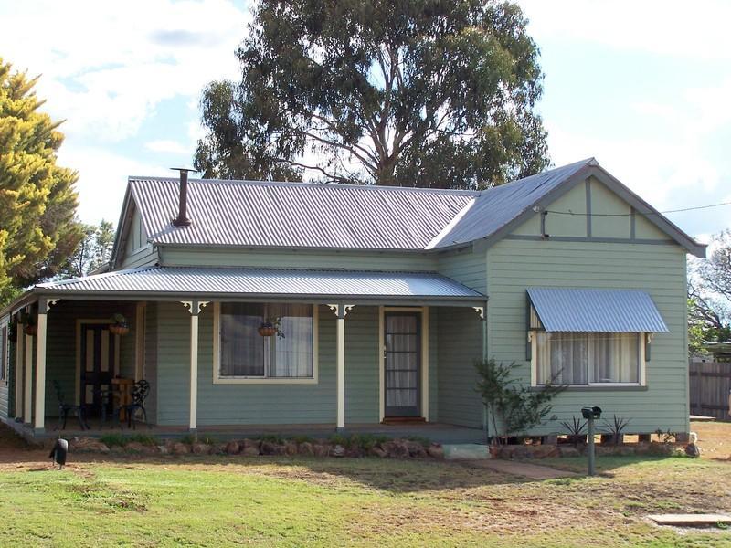 12 Wallangra Street, Delungra, NSW 2403