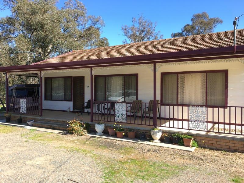 24 Manson, Pleasant Hills, NSW 2658