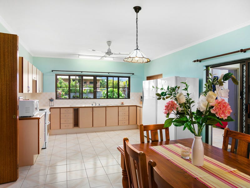 8 Grampian Close, Smithfield, Qld 4878
