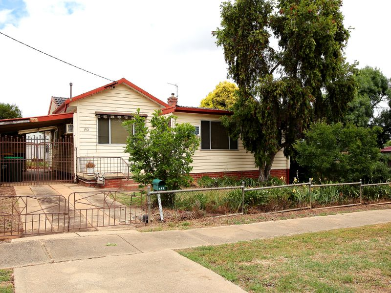 152 Fernleigh Road, Mount Austin, NSW 2650