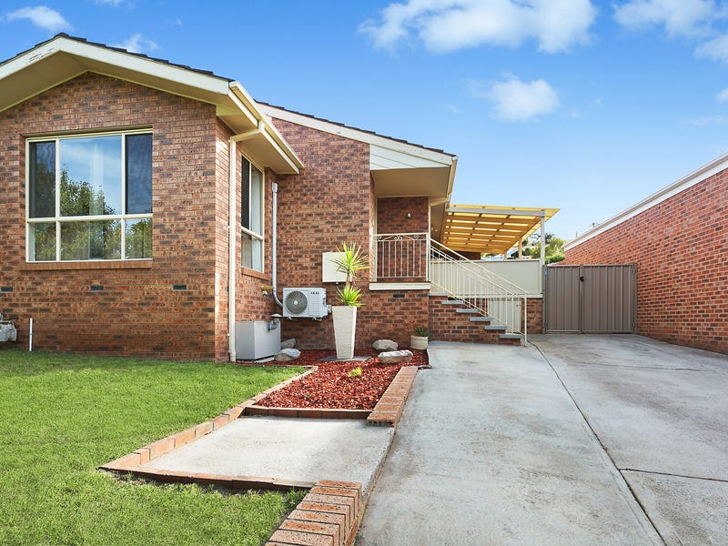 7 Leahy Place, Gordon, ACT 2906