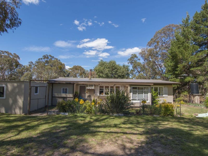 11 Lawsons Road, Tenterfield, NSW 2372