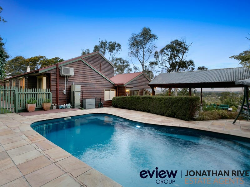 90-92 Eumeralla Grove, Mount Eliza, Vic 3930