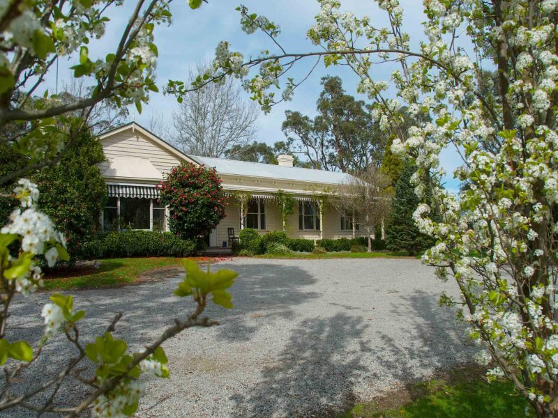 21 Swiss Chalet Road, Healesville, Vic 3777