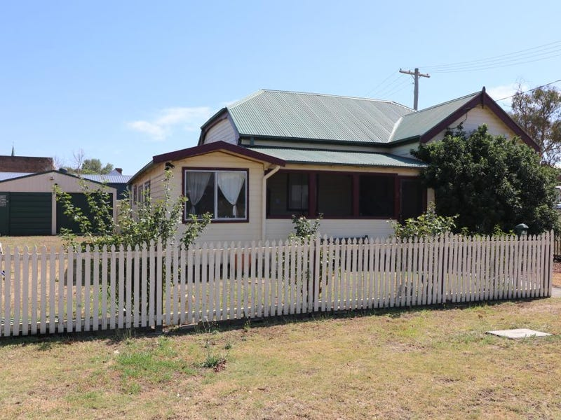 8 Lower William Street, Muswellbrook, NSW 2333