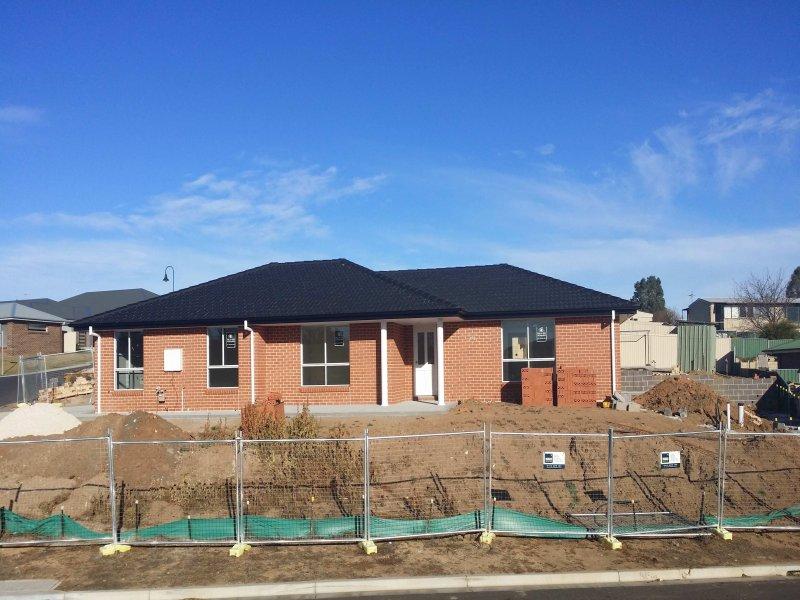15 Eltham Drive, Bathurst, NSW 2795
