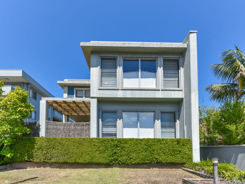 1/11 Moore Street, West Gosford, NSW 2250