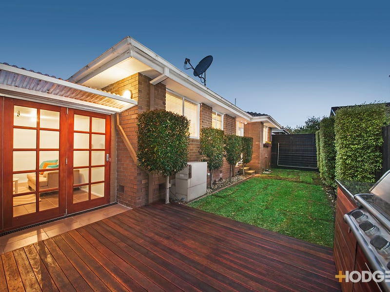 2/33 Cluden Street, Brighton East, Vic 3187