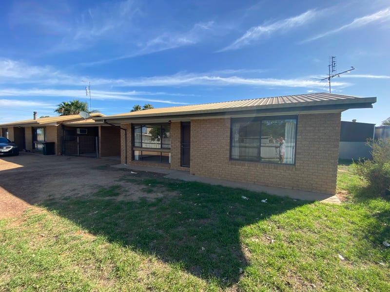 2/345 Moama, Hay South, NSW 2711
