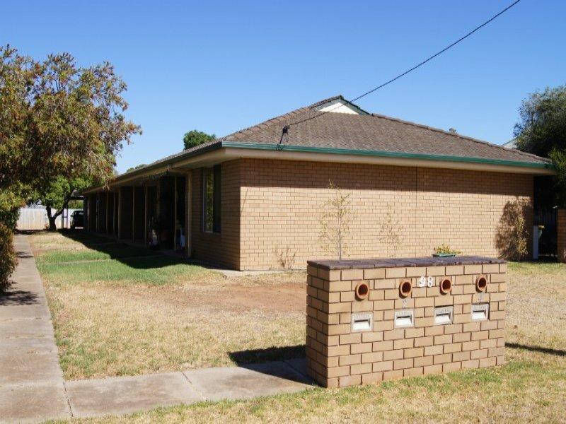 98 Coree St, Finley, NSW 2713