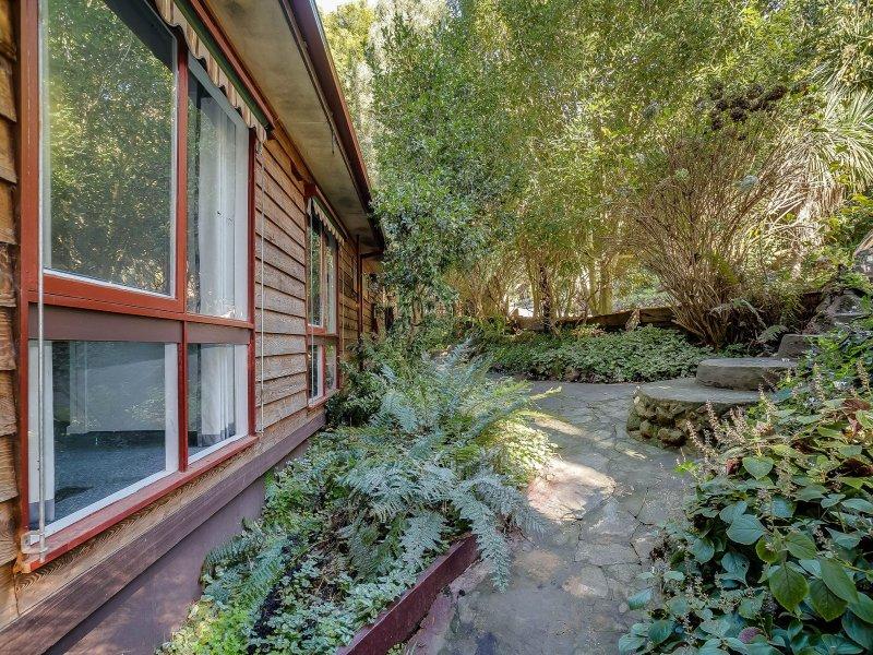 1 Woods Lane, Ferny Creek, Vic 3786