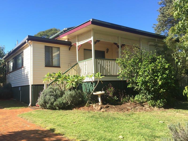 158 Ruthven Street, North Toowoomba, Qld 4350