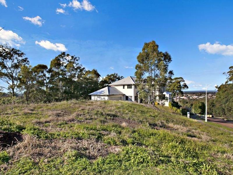 8 Castle Drive, Floraville, NSW 2280