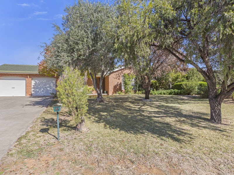 27 Windhover Crescent, Tamworth, NSW 2340