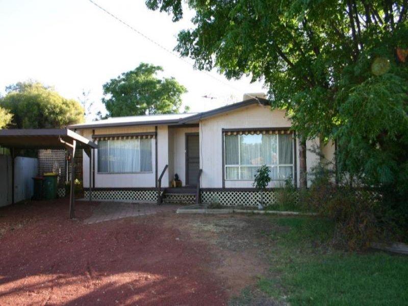 8 Boga Street, Lake Boga, Vic 3584