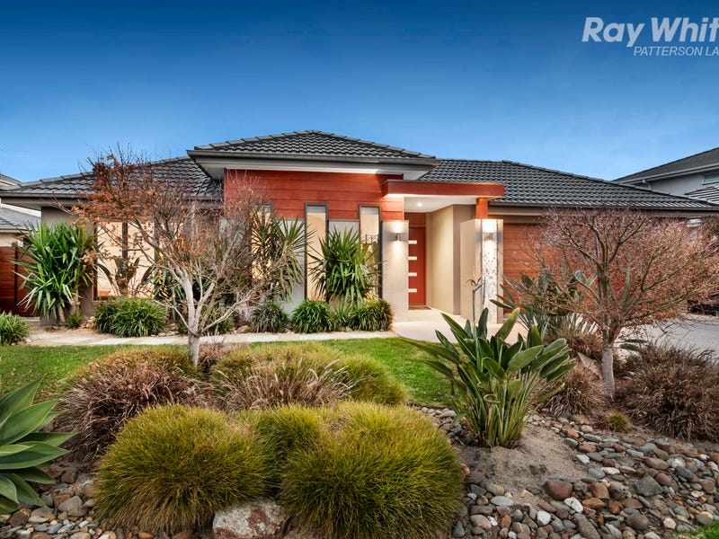 7 Portland Place, Waterways, Vic 3195