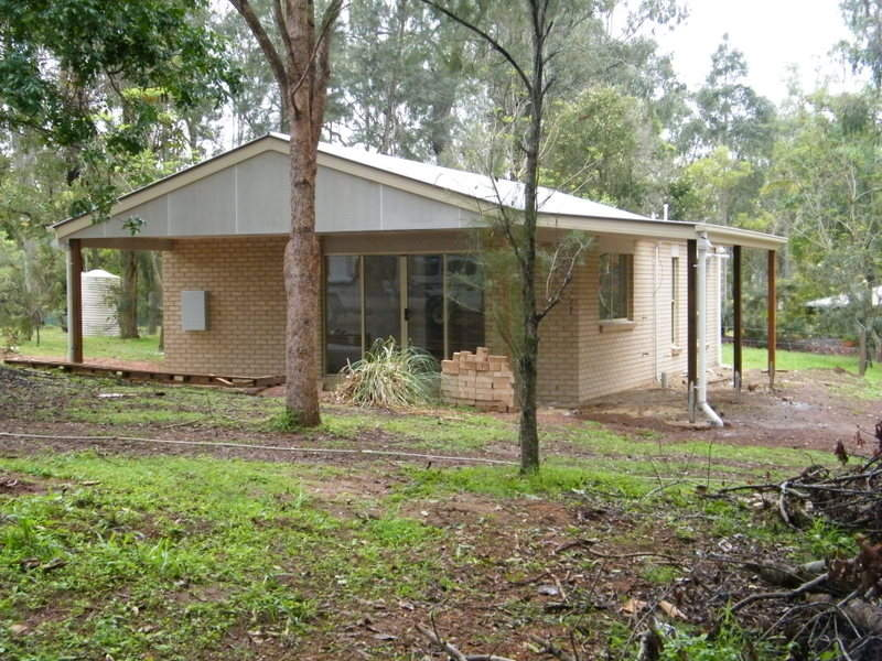 72 Sutton, Brooloo, Qld 4570