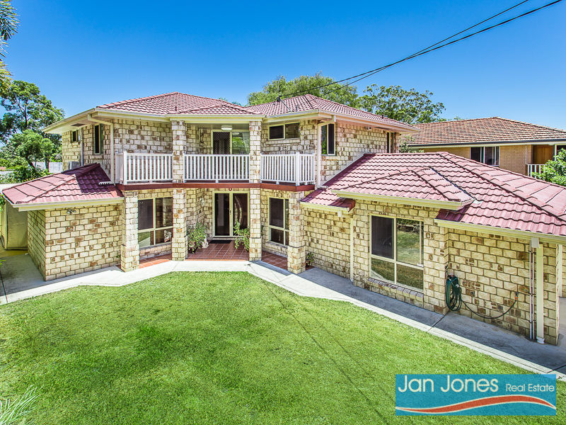15 Herne Road, Scarborough, Qld 4020