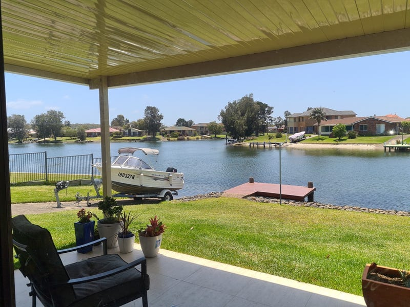 9 Cater Crescent, Sussex Inlet, NSW 2540