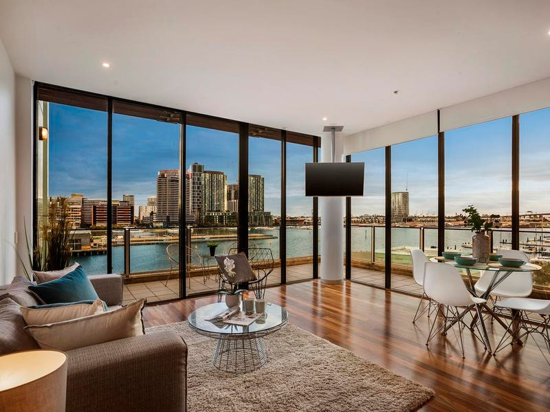 501/30 Newquay Prom, Docklands, Vic 3008