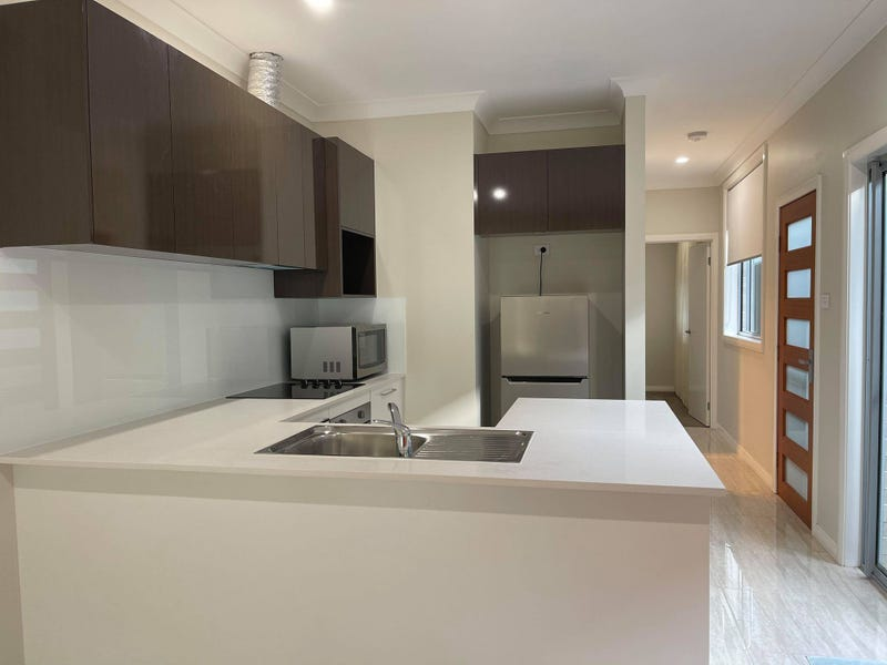 76A Crowley Blvd, Claymore, NSW 2559