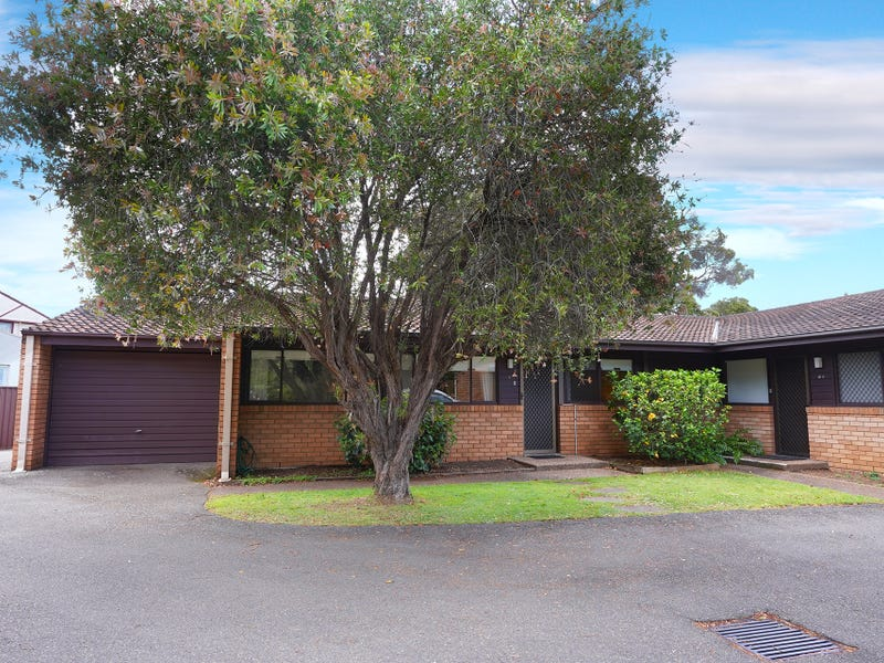8 Dennis Place, Beverly Hills, NSW 2209