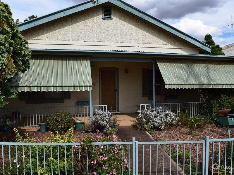 1 Close Street, Parkes, NSW 2870