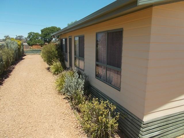 80 Gallipoli Street, Temora, NSW 2666