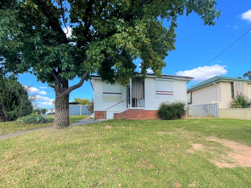 22 Templemore Street, Young, NSW 2594