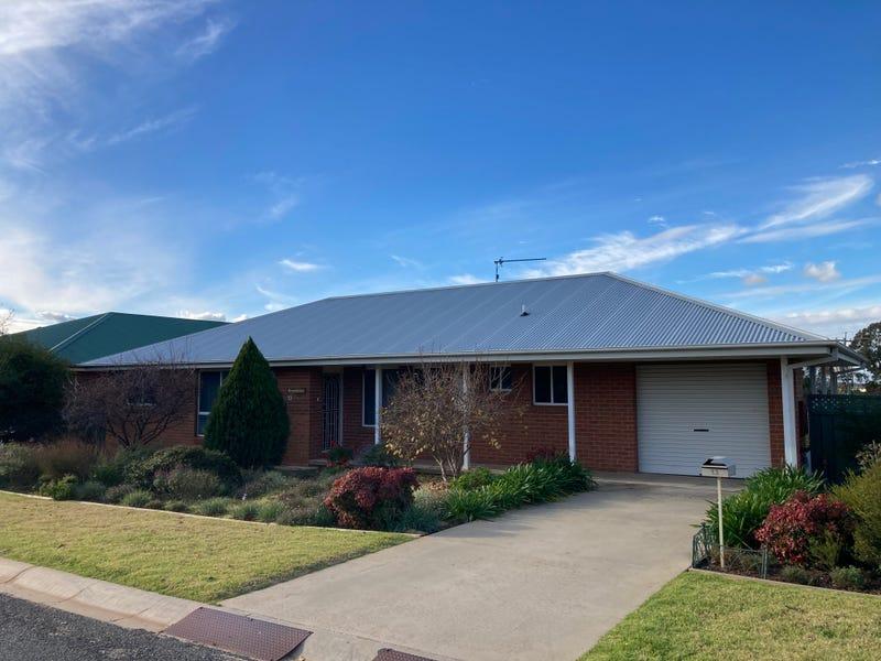 13 Kavanagh Circuit, Temora, NSW 2666