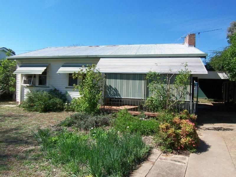 22 Williams Avenue, Cootamundra, NSW 2590