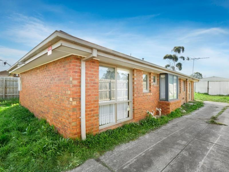83 Northumberland Drive, Epping