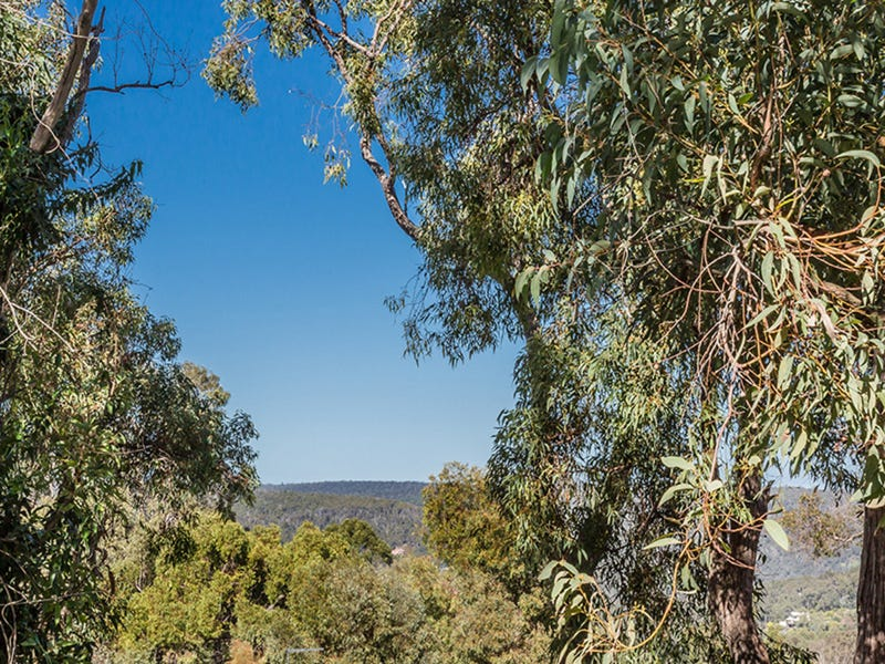 11 Valley View Road, Roleystone, WA 6111