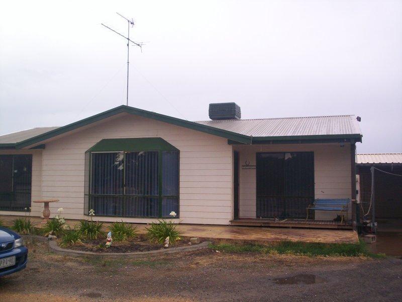 19 Gunyah Flat Rd, Charlton, Vic 3525