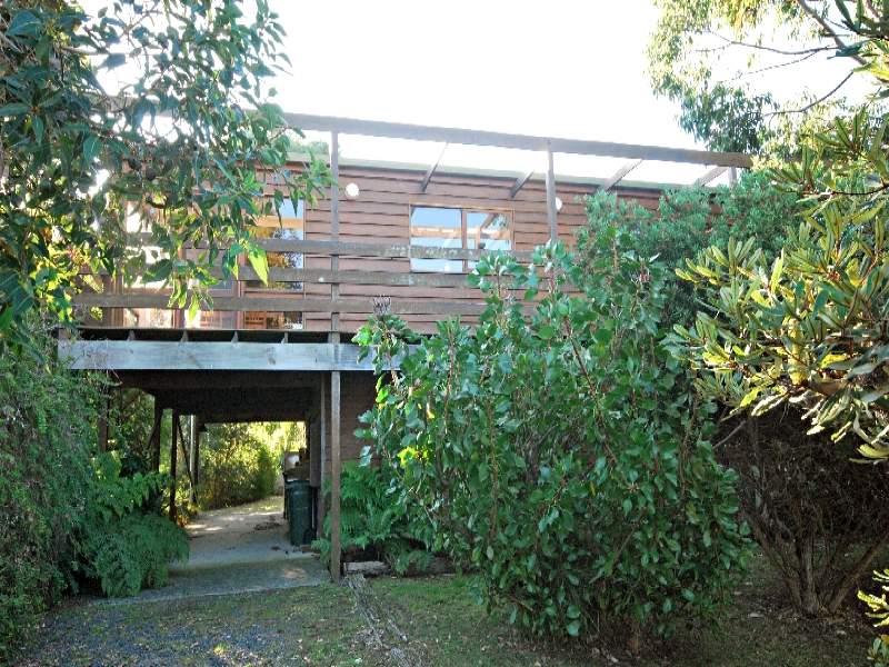 27 Waratah Ave., Waratah Bay, Vic 3959