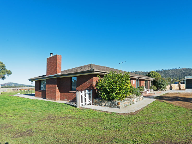 105 Roches Beach Road, Roches Beach, Tas 7170